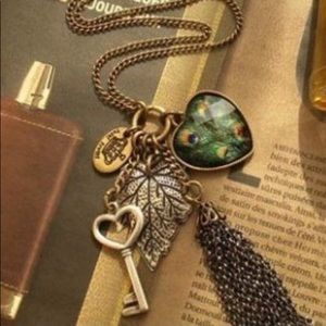 Jewelry - Vintage Long Sweater Peacock Tassel Necklace